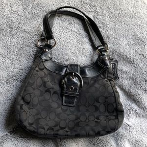 COACH - medium sized black hobo bag with C logos